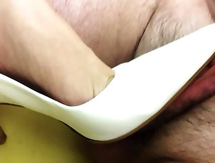 British;Chinese;Footjob;Wife;HD Videos;Buffalo;Pointy;White Heels;White Buffalo White Pointy Heels - Size 40