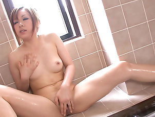 Solo girl,Young girl,Asian,Japanese,Trimmed pussy,Shower,Fingering,Masturbation,Orgasm,Moaning,1080p,Straight Solo beauty rubs the furry pussy in...