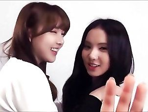 Asian;Celebrities;Korean;Lesbians Yerin x Eunha